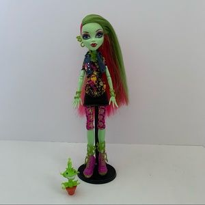 Monster High doll Venus with Pet